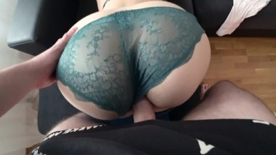 White Girlfriend With Ass Gets Fucked