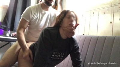 Sexy Mom screams as she has her ass fucked - porndroids
