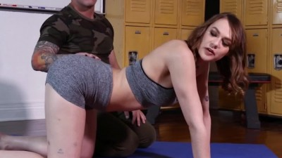 Cheating Wife Got her Box Slammed at Yoga - Porngem