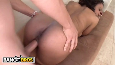 Sexy Black Babe Lola Hardt Enjoying Some White Dick