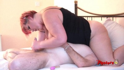 Camera Man Licks and Fucks BBW Pussy After She Masturbates