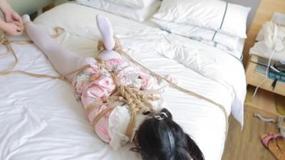 Chinese Cutie Bondage