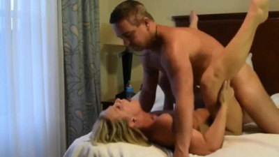 Busty slut wife enjoys threesome fuck with 2 strangers