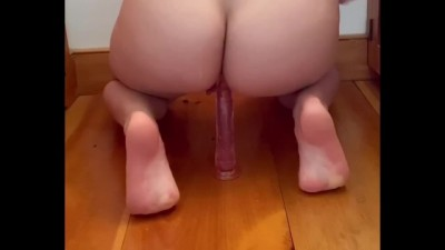 Perfect Ass Anal Fingering and Dildo-riding