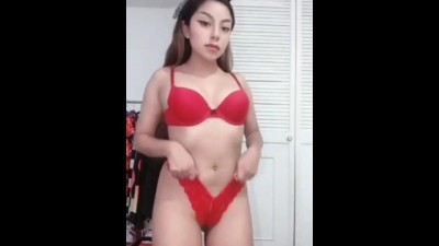 19 yo Latina Girl Masturbates to Cum