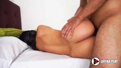 Brunette Girl Gets Fucked in Homemade Scene