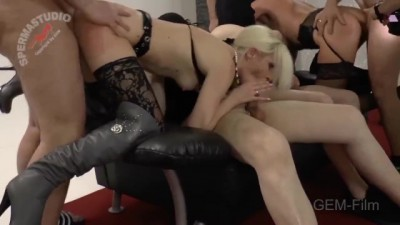 Blonde Slut Satisfies a Group of Bold Men and Gets Fucked in Doublevaginal